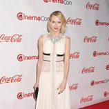 Naomi Watts con un vestido blanco en los Premios CinemaCon 2017