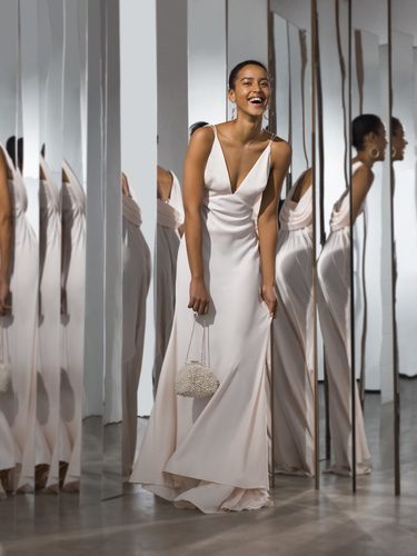 Vestido de novia con escote profundo de Asos primavera/verano 2017