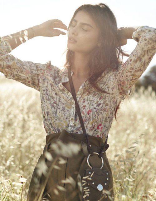Falda con cinturilla y una blusa print floral para la colección SpringSummer 2017 de H&M