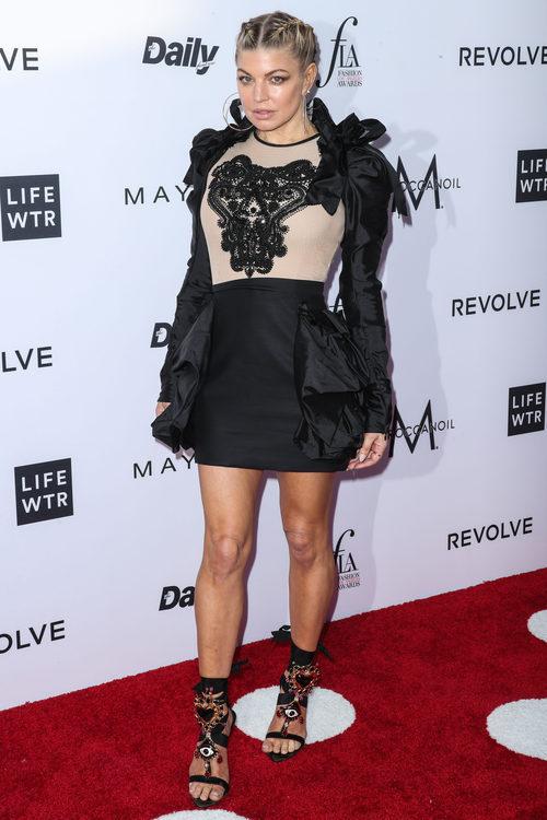 Fergie con un vestido negro en los Fashion Los Ángeles Awards 2017