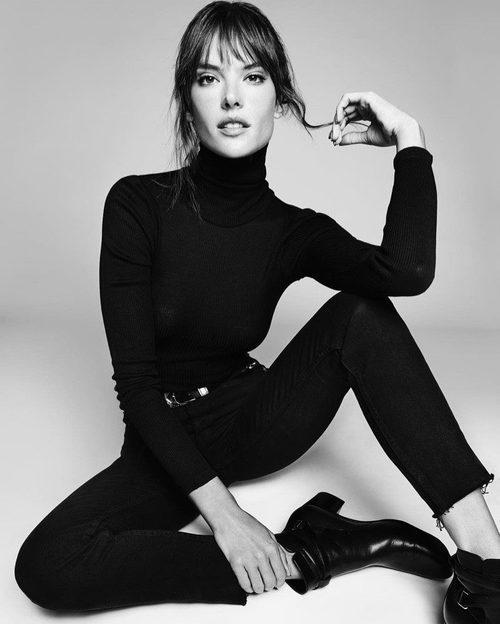 Alessandra Ambrosio con unos jeans negros de la nueva colección primavera/verano 2017 de Re/Done