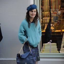 Leighton Meester viste de azul en otoño