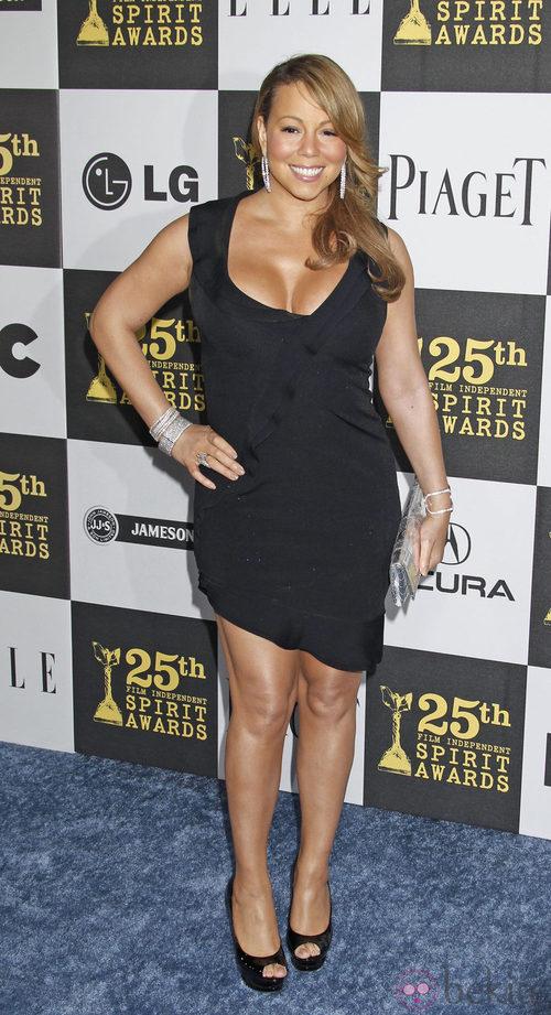 Mariah Carey con un minivestido negro
