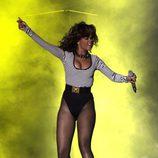 Rihanna, marinera, con un estilo muy ceñido