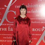 Isabella Rossellini, de rojo, en las fiesta de la moda 'Las Luminarias'