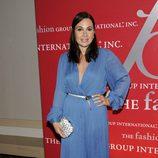 Fabiola Beracasa con un vestido azul muy escotado