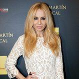 Marta Sánchez con un vestido de encaje blanco
