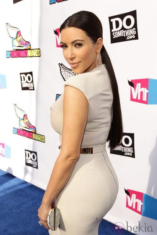 Los pendientes largos de Kim Kardashian