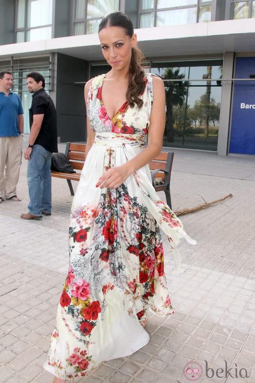 Eva González con un vestido de flores