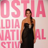Eva González con un vestido con detalles de pedrería