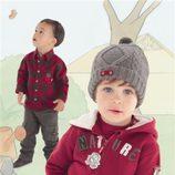 Niños con la ropa de Compaigne des petites
