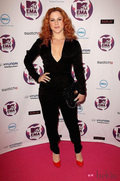 Look de Katy B con un mono negro en los MTV EMA 2011