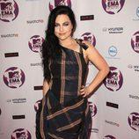 Look de Amy Lee con un vestido de cuadros en los MTV Europe Music Awards 2011