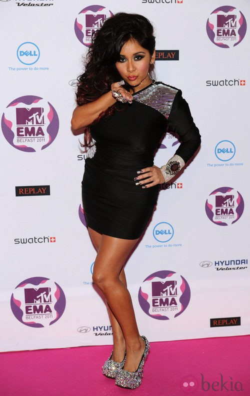 Look de Snooki con un vestido negro en los MTV Europe Music Awards 2011