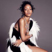 Rihanna posando con su propia colección de joyas con Chopard