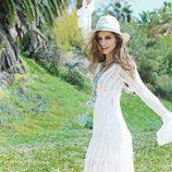 Ariadne Artiles con un vestido blanco de Guts&Love primavera/verano 2017
