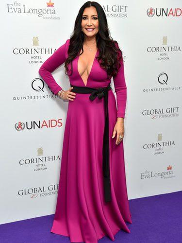 María Bravo con un vestido rosa fucsia en la Global Gift Gala 2016