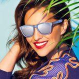 Paula Echevarría con las nuevas gafas de sol de su colección primavera/verano 2017 para Hawkers