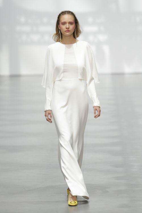 Vestido de novia de estilo retro de Juanjo Oliva sobre la Madrid Bridal Week 2017