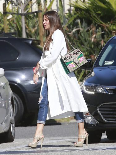 Sofía Vergara con un look casual en las calles de California