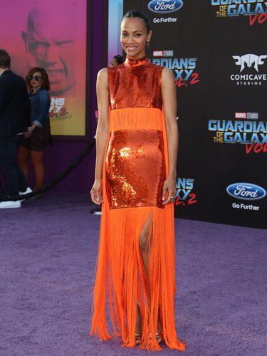 Zoe Saldana con un llamativo vestido en el estreno de 'Guardianes de la Galaxia 2'