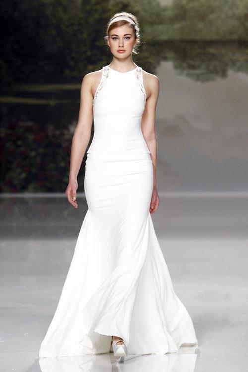 Vestido de novia sencillo de St. Patrick colección 2018 en la Barcelona Bridal Week