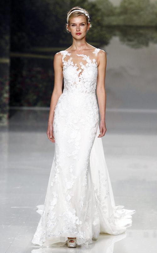 Vestido de novia de encaje de St. Patrick colección 2018 en la Barcelona Bridal Week