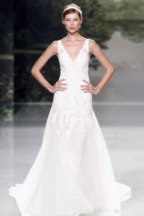 Vestido de novia con tul y encaje de St. Patrick colección 2018 en la Barcelona Bridal Week