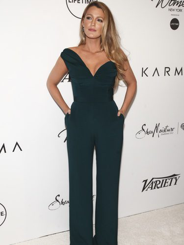 Blake Lively con un jumpsuit de Brandon Maxwell en el evento 'Power of Women' de la revista Variety