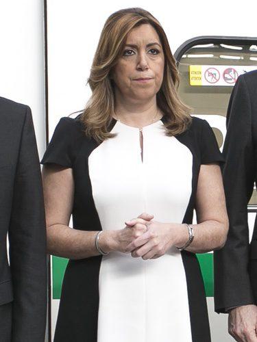 Susana Díaz con un vestido de Carolina Herrera en la estación sevillana de Santa Justa