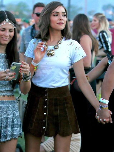 Olivia Culpo con un look boho-chic en el festival Coachella 2017