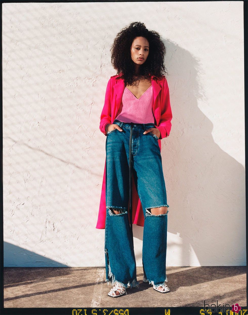 Trench de la colección neón primavera/verano 2017 de Zara TRF