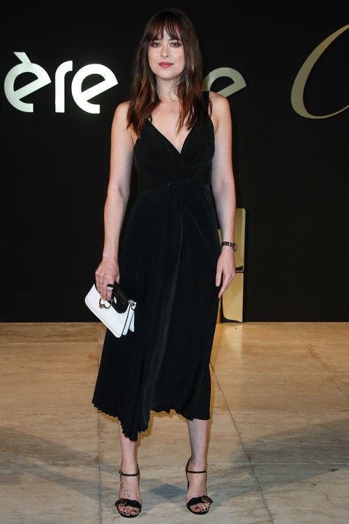 Dakota Jonhson con un elegante vestido negro
