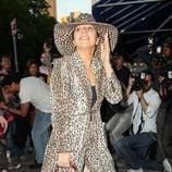Lady Gaga luce un conjunto de animal print