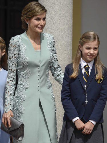 La Reina Letizia fiel a Felipe Varela en la Comunión de la Infanta Leonor