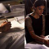 Sara Hunjan trabajando en la colección 'Tattoo' de TOD'S