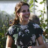 Kate Middleton con un vestido muy primaveral de Rochas