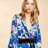 Kimono estampado floral de la colección Verano 2017 de Lefties 'Tropical Forest'