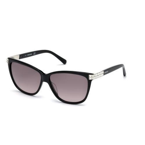 Modelo SK0137-01B de la colección Swarovski Eyewear Primavera/Verano 2017