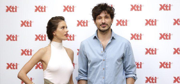 Alessandra Ambrosio y Andrés Velencoso protagonizan la nueva campaña de Xti