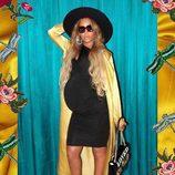 Look casual con vestido negro ajustado premamá de Beyoncé