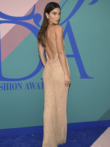 Lily Aldridge luce perfecta con un vestido de Jason Wu