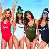 Modelos posando con la colección de bañadores personalizados de Calzedonia