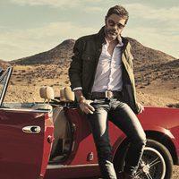 David Ascanio con look informal de la coleccion Mr Musk by Bloomers