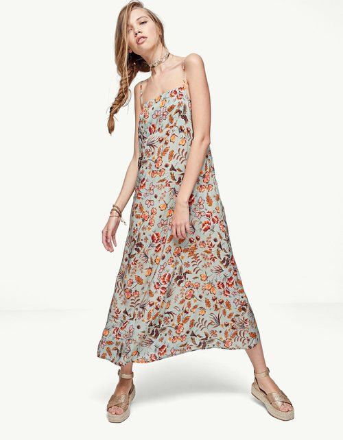 Vestido con espalda descubierta de la colección en edición limitada de Stradivarius para Verano 2017