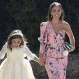Paula Echevaría con un vestido floral de Dolores Promesas