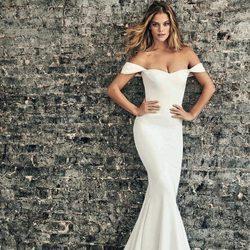 Nina Agdal posando con vestido de sirena para la colección Atelier Pronovias 2018