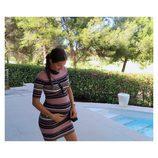 Malena Costa presume de embarazo con un vestido de rayas