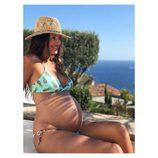 Malena Costa presume de embarazo posando en bikini