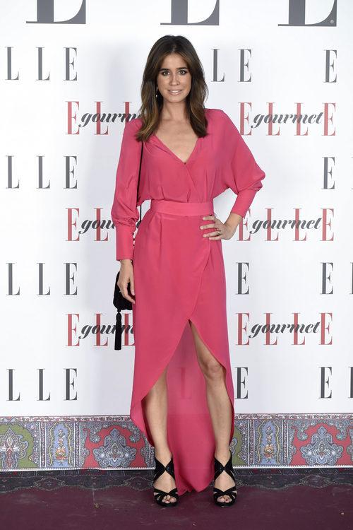 Isabel Jiménez con un vestido de seda rosa
